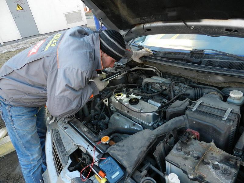 Диагностика авто перед покупкой: проверка уровня жидкостей